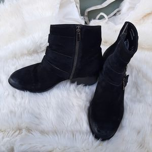 Clarks black suede Leather Ankle Boots Sz 8.5